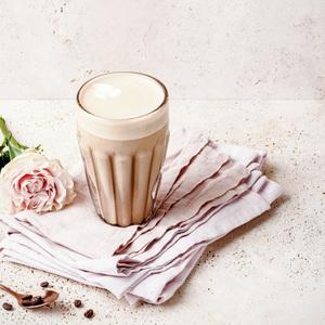 Un joli cappuccino à la rose pour célébrer la fête des Amoureux 🌹  #Malongo #CafésMalongo #Cafe #Coffee #SaintValentin #ValentinesDay #Rose
