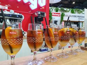Notre café Cold Brew du Laos, est actuellement présenté au @sirha_lyon   Un café bio mais surtout équitable, qui correspond aux valeurs de Malongo et qui s'adapte à tous les univers ou métiers de l'hôtellerie et de la restauration.  Venez déguster notre cocktail à base de Cold Brew, le Spritz coffee !  #Malongo #coffee #hotel #restaurant #snacking #bar